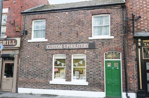 Last Minute Cottages - Quaint Chester Cottage S93006