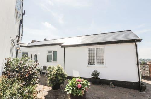 Last Minute Cottages - Cosy Quarry Bank Cottage S86056