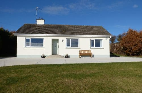Big Cottages - Charming New Ross Cottage S89136