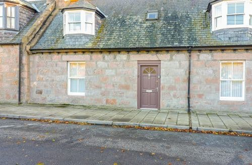 Last Minute Cottages - Cosy Ballater Cottage S89572
