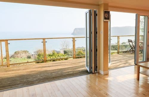 Last Minute Cottages - Inviting Lydstep Haven Cottage S97295
