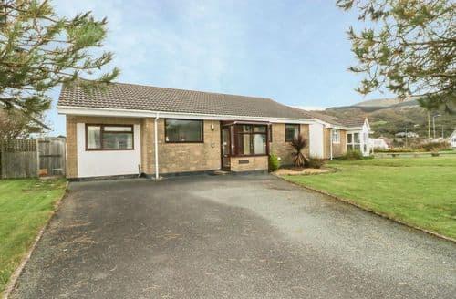 Big Cottages - Quaint Fairbourne Cottage S86252