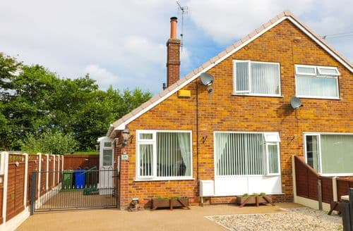 Last Minute Cottages - Superb Withernsea Cottage S121161