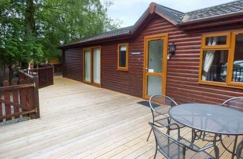 Last Minute Cottages - Charlie's Lodge