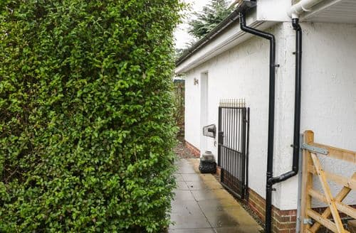 Last Minute Cottages - Wonderful Thornhill Cottage S91132