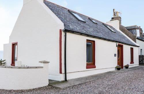 Last Minute Cottages - Charming Mac Duff Cottage S88267