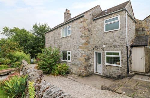 Last Minute Cottages - Charming Winster Cottage S90475
