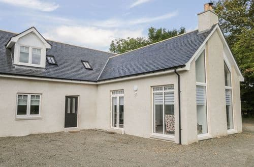 Last Minute Cottages - Inviting  Cottage S113836
