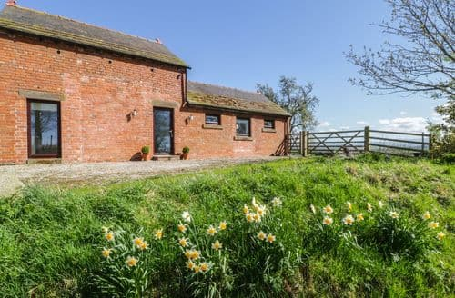 Last Minute Cottages - Red Stables