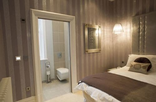 Last Minute Cottages - Hambleton Suite