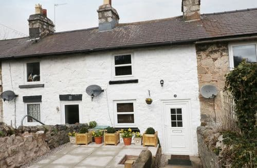 Last Minute Cottages - Inviting Llanddulas Cottage S96958
