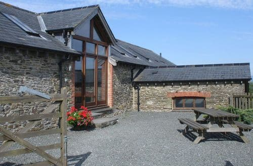 Last Minute Cottages - Hawthorn Barn
