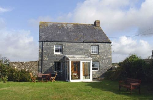 Last Minute Cottages - Higher Lanherne Farm