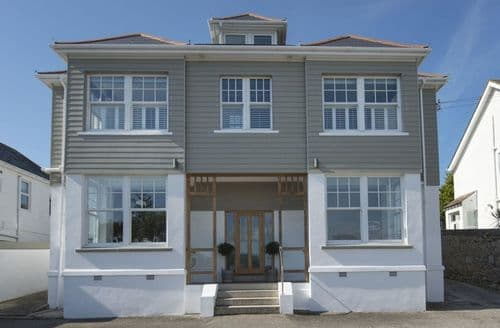 Last Minute Cottages - Falmouth Bay