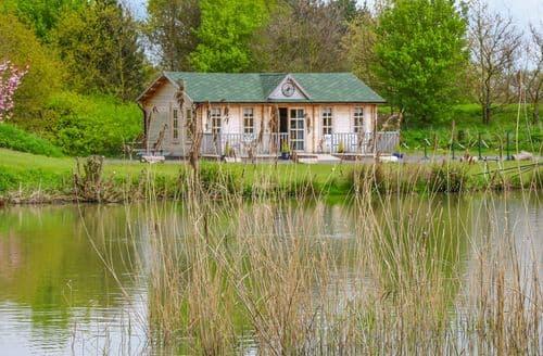 Last Minute Cottages - Beautiful Willitoft Cottage S98756