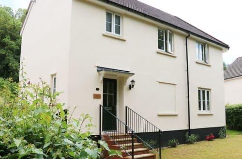 Last Minute Cottages - Cosy Bampton Cottage S104452