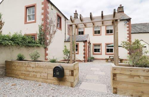 Last Minute Cottages - Cosy Wigton Cottage S97051