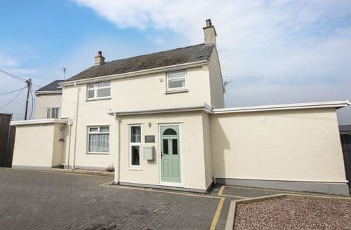 Big Cottages - Exquisite Rhosneigr Cottage S98380