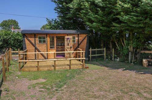 Last Minute Cottages - Exquisite Govilon Cottage S105082