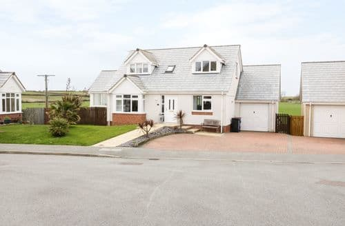Big Cottages - Luxury Cemaes Cottage S98284