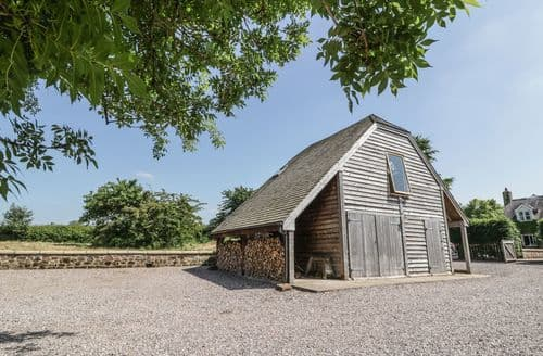 Last Minute Cottages - Gorgeous Malpas Cottage S104268