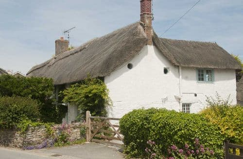 Last Minute Cottages - Inviting Crantock Cottage S98533