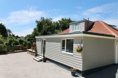 Last Minute Cottages - Adorable Truro Cottage S101224
