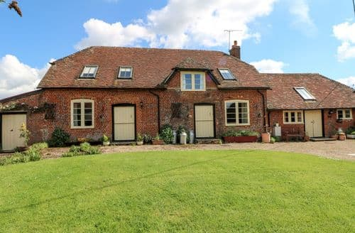 Last Minute Cottages - Cosy East Tytherley Cottage S98747