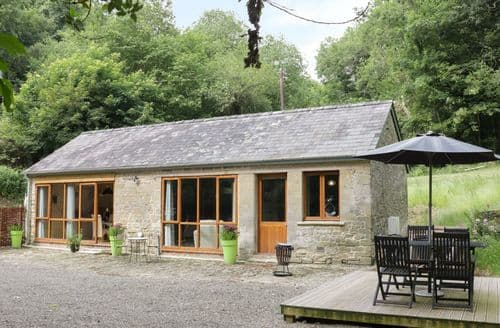 Last Minute Cottages - Luxury Ludlow Cottage S104340
