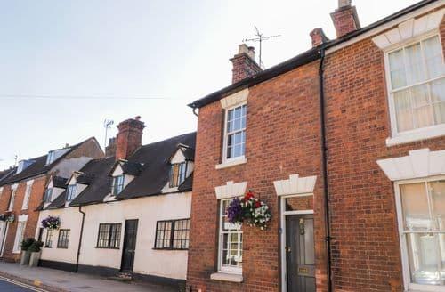 Last Minute Cottages - Quaint Warwick Cottage S105122