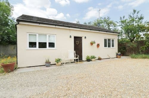 Last Minute Cottages - Inviting Ugley Cottage S105870
