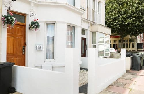 Last Minute Cottages - Excellent Eastbourne Cottage S121889