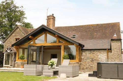 Last Minute Cottages - Cosy Westhope Cottage S83297