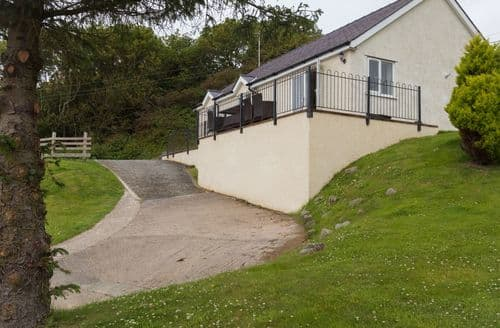 Big Cottages - Beautiful Beaumaris Cottage S6622