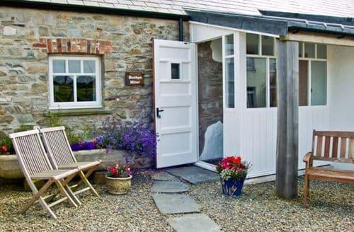 Last Minute Cottages - Superb Newport Mawr S5193