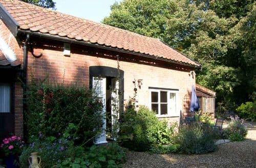Last Minute Cottages - Beautiful Woodbridge Cottage S2241