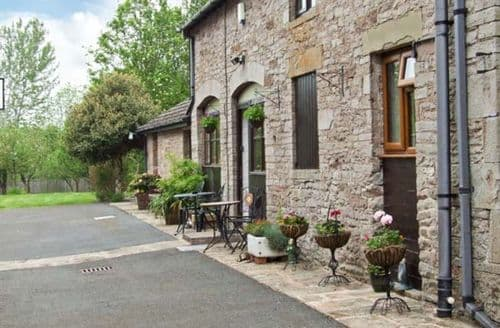 Last Minute Cottages - Stunning Hereford Loft S2296