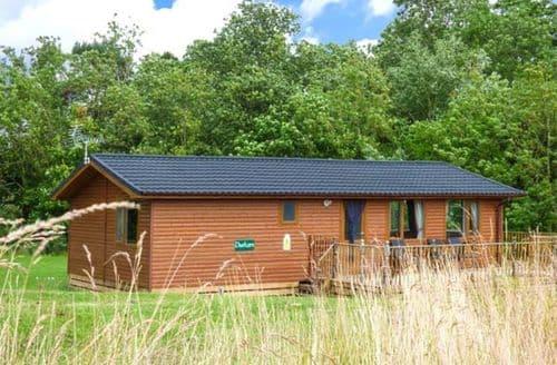Big Cottages - Tasteful Kiplin Lodge S4339