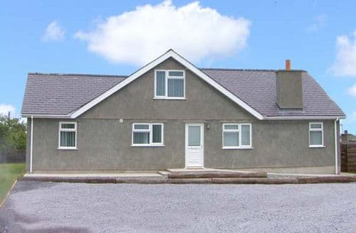 Last Minute Cottages - Captivating Ty Croes Bungalow S5278