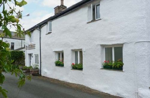 Last Minute Cottages - Excellent Broughton Beck Cottage S9405