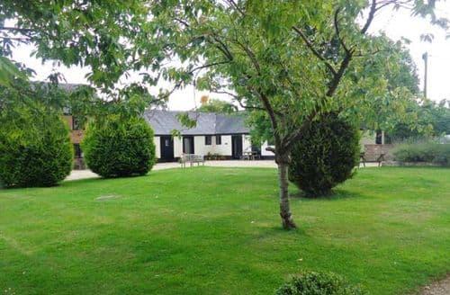 Last Minute Cottages - Tasteful Semley Cottage S9428
