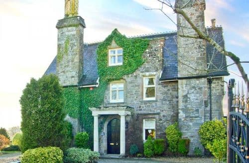 Last Minute Cottages - Cosy Saundersfoot Priory S6188