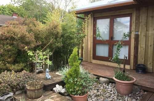 Last Minute Cottages - Splendid  Honeypot S5625
