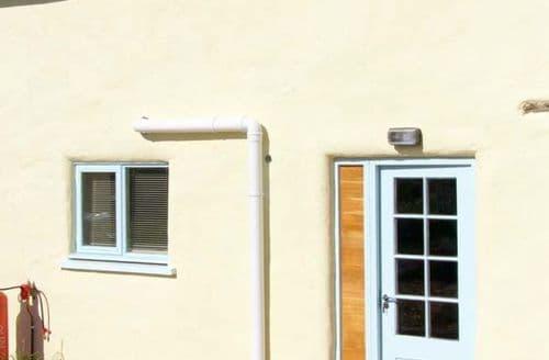 Last Minute Cottages - Excellent Pembroke Cottage S9441