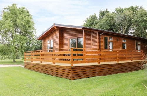 Last Minute Cottages - Attractive Shropshire Lodge S81909