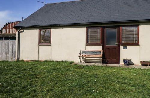 Last Minute Cottages - Wonderful Hook Rental S12870