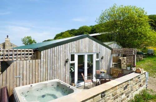 Big Cottages - Lovely Hainworth Shaw Lodge S9506