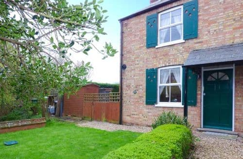 Dog Friendly Cottages - Attractive Wisbech Cottage S2830