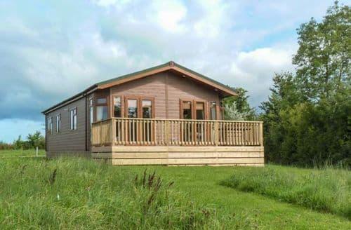Big Cottages - Wonderful Hewish Lodge S41328