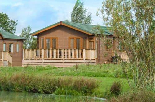 Big Cottages - Charming Hewish Lodge S41327